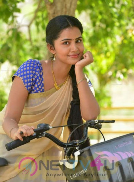 Actress Anupama Parameshwaran Good Looking Images Tamil Gallery