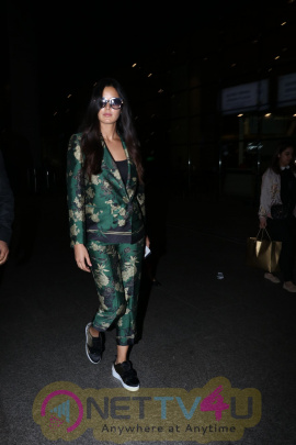 Actress Katrina Kaif Spotted At The Airport Images Hindi Gallery
