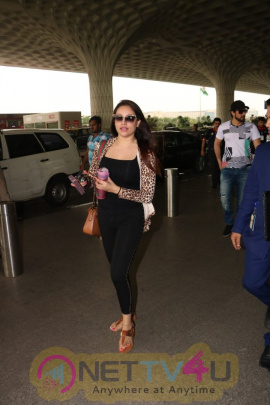 Actress Nikii Daas Spotted At Airport Images Hindi Gallery