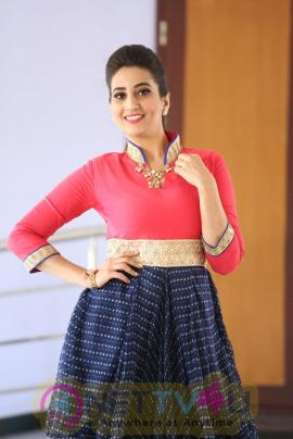 Actress Manjusha Cute Pics English Gallery