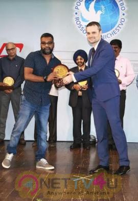 Russian Award For Neelam Movie Director Venkatesh Pic Tamil Gallery