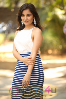 Actress Mridanjli Rawal Lovely Photos