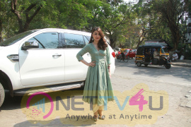 Soha Ali Khan Attends The Open House An Exhibition Of Indian Crafts N Art  Images