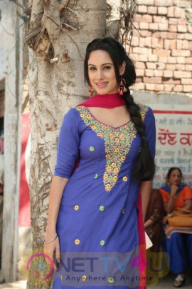 Actress Deana Uppal In Punjabi Film Hard Kaur Hindi Gallery
