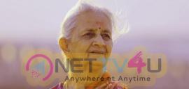 Dha Dha 87 Movie Heroine Saroja Images Tamil Gallery