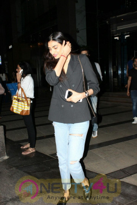 Aathiya Shetty And Aadar Jain Spotted At Yautcha Bkc In Mumbai Images Hindi Gallery