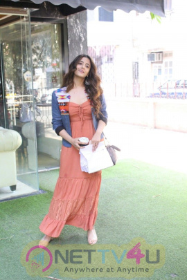 Nupur Sanon Spotted At Bandra Best Images Hindi Gallery