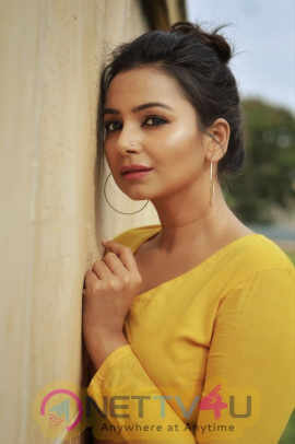 Maniyar Kudumbam Heroine Mrudula Murali Beautiful Photos