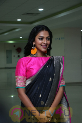 Actress Amala Paul Attractive Stills