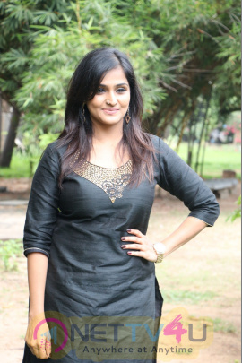 Actress Remya Nambeesan Attractive Stills Tamil Gallery