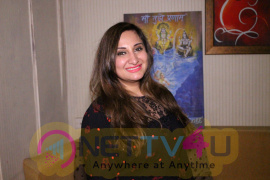 Exclusive Interview With Singer Biba Singh New Single Sari Sari Raat Images Hindi Gallery