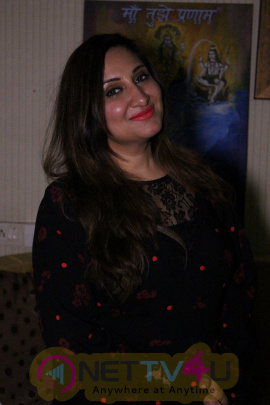 Exclusive Interview With Singer Biba Singh New Single Sari Sari Raat Images Hindi Gallery