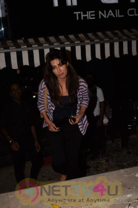 Actress Chitrangada Singh Cute Pics Hindi Gallery