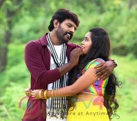 Avathara Vettai Movie Photos
