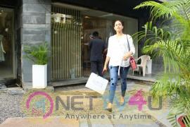 Mira Rajput Came To Bandra Hindi Gallery