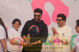 Raj Thackeray, Arjun Kapoor And Priya Wal At Lokhandwala Street Festival Images