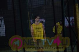 15 04 2018 Ranbir Kapoor Playing Football Match At Juhu In Mumbai - Photos Hindi Gallery
