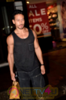 Malaika Arora ,Tiger Shroff And Disha Patani Spotted At Bastian In Bandra Classy Images Hindi Gallery