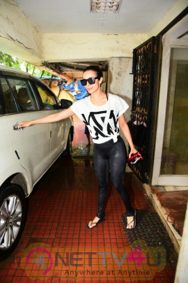Malaika Arora Spotted At Gym In Bandra Beautiful Pics  Hindi Gallery