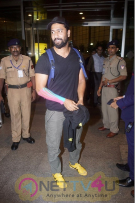 Vicky Kaushal Spotted At Airport Best Images  Hindi Gallery