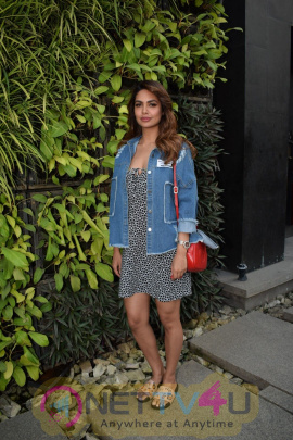 Esha Gupta Spotted At Charcoal Project