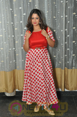 Actress Shilpa Chakravathy Hot Charming Pics Telugu Gallery