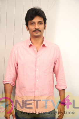 Actor Jiiva Exclusive Interview Pics