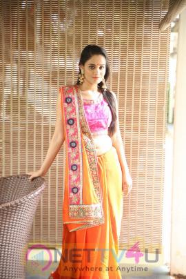 Actress Usha Cute Pics Telugu Gallery