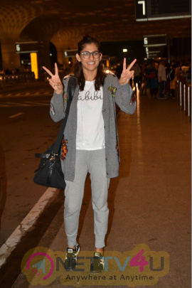 Kubra Seth Spotted At Airport Cute Images  Hindi Gallery