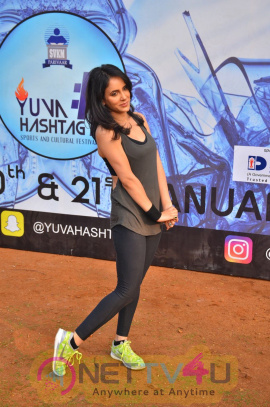 Dr Anil Murarka & Shweta Khanduri At Yoga Gastric Festival Photos Hindi Gallery
