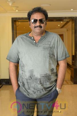 Khaidi No 150 Movie Press Meet Elegant Photos Telugu Gallery