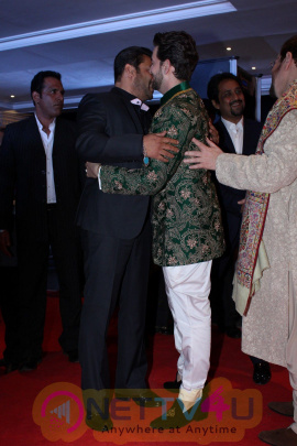 Neil Nitin Mukesh And Rukmini Sahay Reception Amitabh Bachchan-Jaya, Madhur Bhandarkar, Pooja Hegde Attend Photos Hindi Gallery