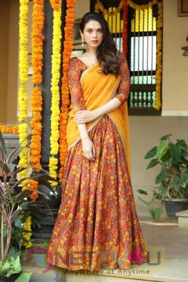 Aditi Rao Hydari Stunning Stills In Sammohanam Movie Telugu Gallery
