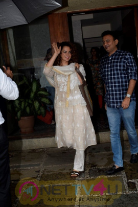 Kangana Ranaut Spotted At Juhu Latest Stills
