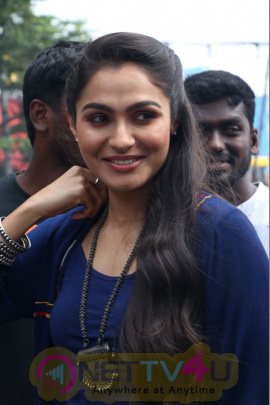 Actress Andrea Jeremiah Good Looking Photos
