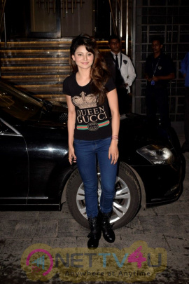 Urvashi Rautela Spotted At Indigo Resturant In Juhu Cute Images  Hindi Gallery