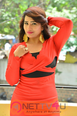 Actress Sanjana Naidu Pretty Images
