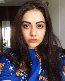 Actress Ronica Singh Pretty Pics