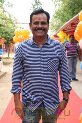 Avathara Vettai Tamil Movie Pooja Stills