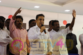 Kamal Haasan Meet Fishermen At Rameswaram Images Tamil Gallery