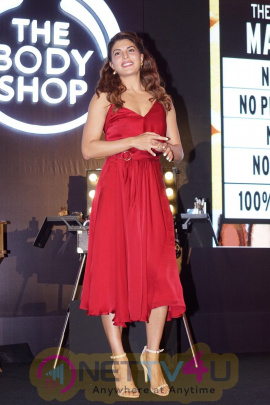 Jacqueline Fernandez At An Her First Makeup Master Class With Shaan Muttathil. Hindi Gallery