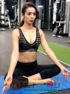 Bollywood Actress Diva Heena Panchal Celebrates International Yoga Day Hindi Gallery