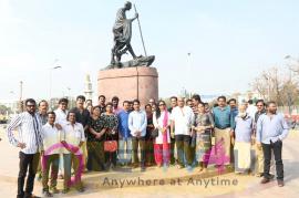 Chinnathirai Kalaingargal Kootamaipu Payed Condelences To Our Late CM Amma Stills Tamil Gallery