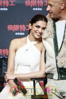 Deepika Padukone XXx Movie Photos Hindi Gallery