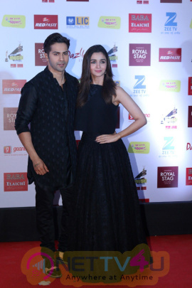 The Red Carpet Of 9th Mirchi Music Award Photos Hindi Gallery