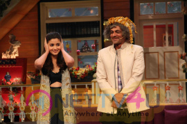 Varun And Alia Promote BKD On The Kapil Sharma Show Images Hindi Gallery