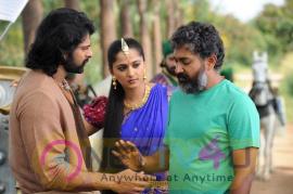 Baahubali 2 Working Stunning pics Telugu Gallery