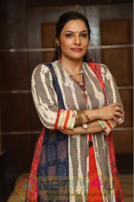 Actress Rethika Srinivas Latest Cute Images  Tamil Gallery