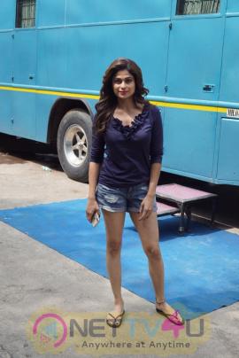 Shamita Shetty Spotted At Radha Laxmi Studio In Mumbai Beautiful Stills