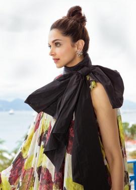 Actress Deepika Padukone Alluring Stills